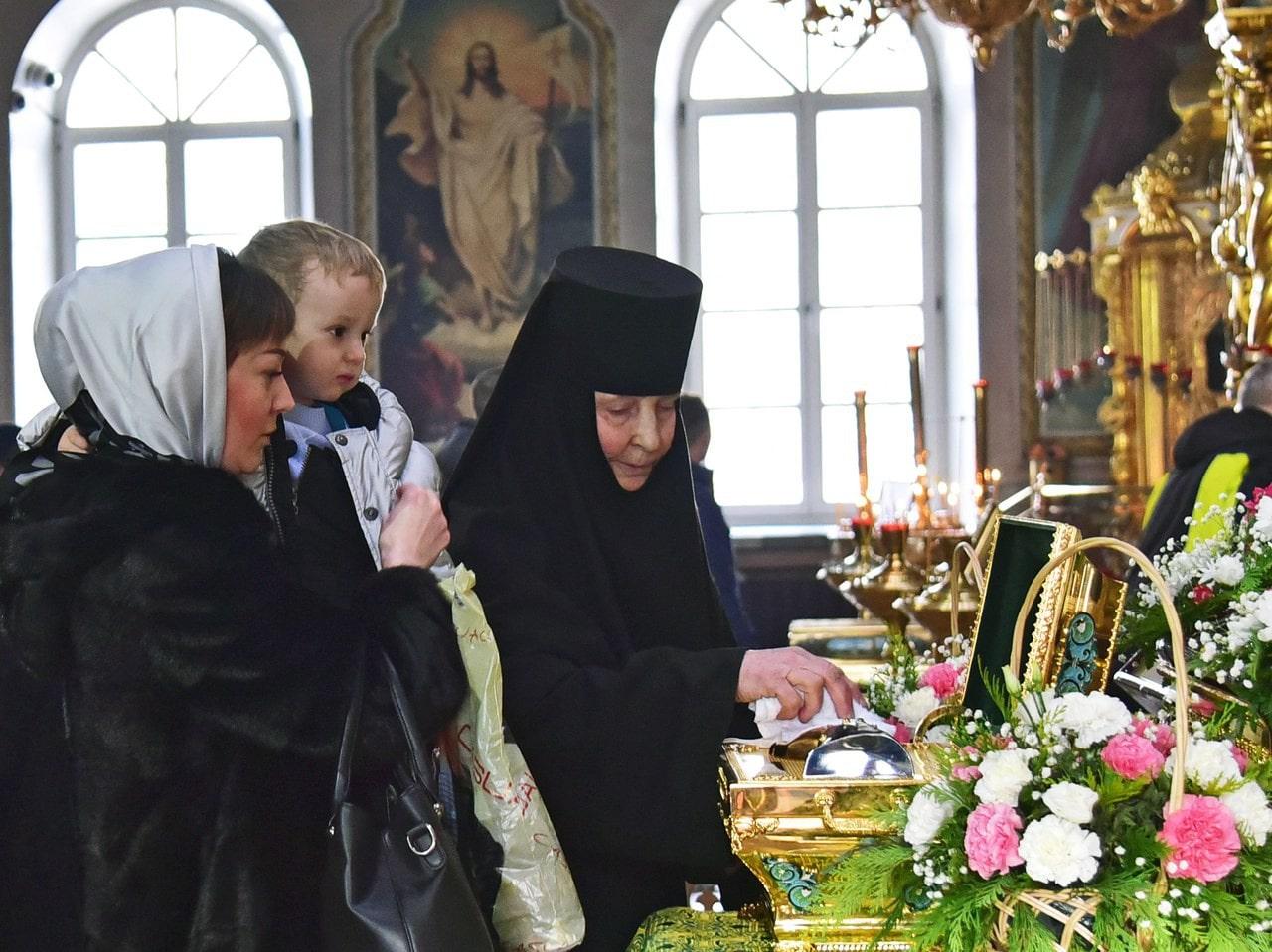 С кем поговорить в монастыре