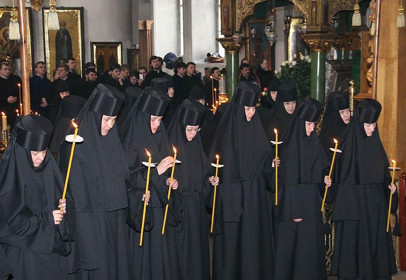 уйти в монастырь в дивеево