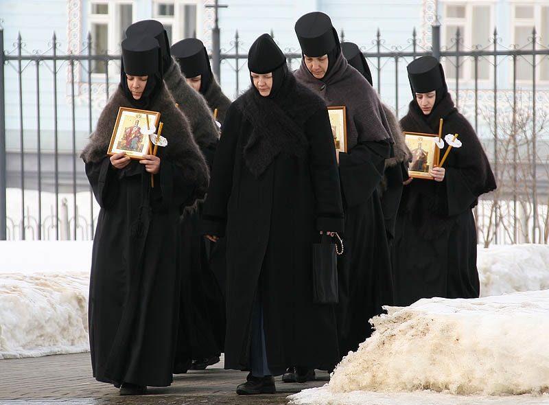 может ли замужняя женщина уйти в монастырь