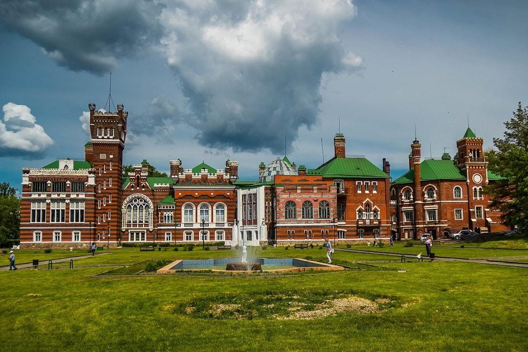 Шереметевский замок Нижегородской области - история и легенды