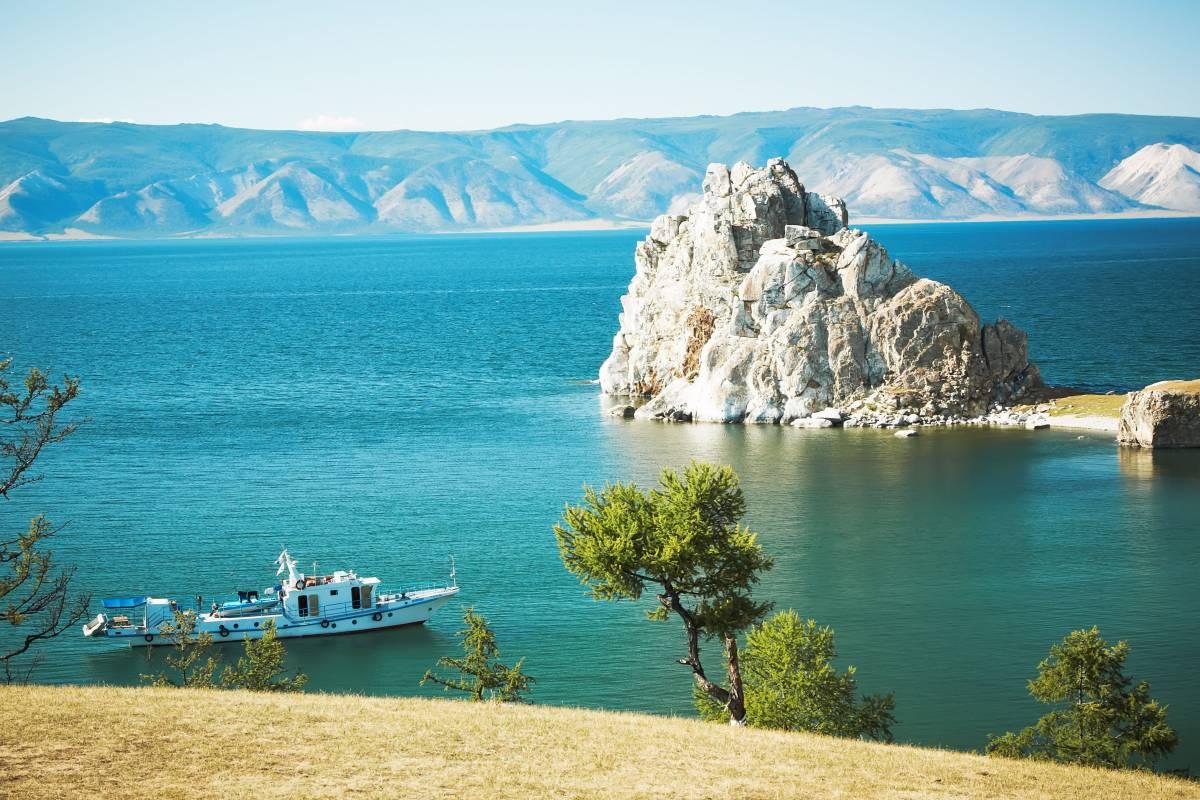 самые интересные места в россии которые, стоит посетить - Байкал