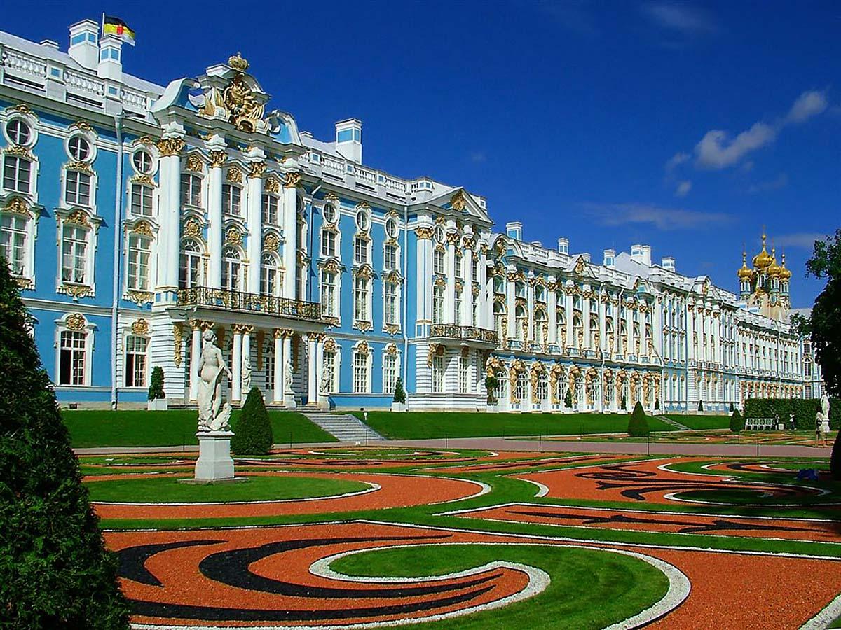 Самые красивые замки в России - Екатерининский дворец